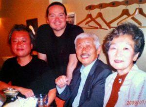 松山さんのご両親、スティーブンさんと松山さん